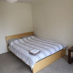 3 Double Bedrooms Near Westend And City Centre - Book 3 Rooms For The Entire Flat, If 1 Or 2 Rooms It Might Be Flatshare photos Exterior