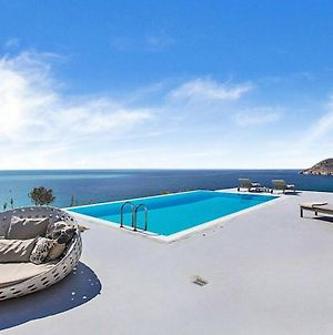 Stunning Villa, Best Location, Private Pool, Walk To Elia Beach photos Exterior