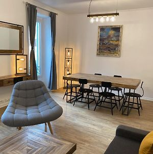 Chic And Cosy Apartment Close To The Port And Garibaldi photos Exterior
