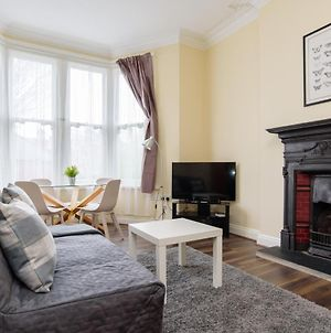 Characterful One Bedroom Apartment By Roath Park! photos Exterior