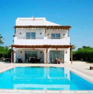 Luxurious Villa With Private Pool And Lagoon View, El Gouna. photos Exterior