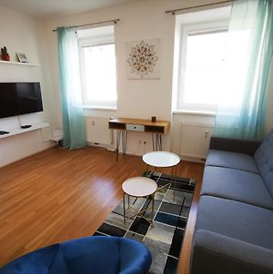 New 33M2 Cosy Apartment - 15Min To City Center photos Exterior