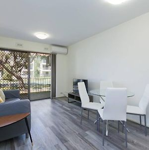 South Perth Perfect Location Free Wifi & Parking photos Exterior
