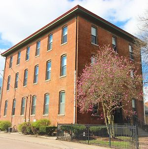 Fountain Square Schoolhouse Apt With Free Netflix And Parking photos Exterior