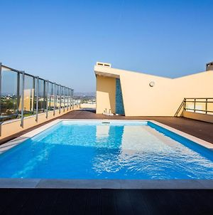 Picturesque & Modern 2 Bedroom Flat With Rooftop Pool In Olhao photos Exterior