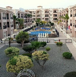 First Floor, 2 Bedroom Apartment, Pool View & Free Wifi photos Exterior