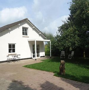 Cozy Holiday Home In Spijk With Meadow View photos Room