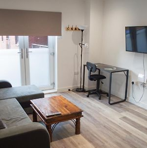 Large New Flat In Cardiff City Centre - Sleeps 2 photos Exterior