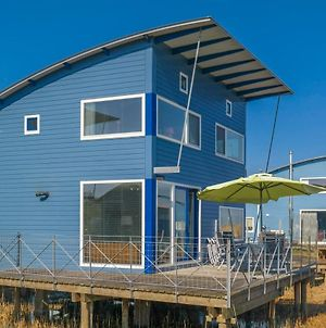 6 Pers. Waterfront Home Seeblick, Equipped Stilt House On The Water photos Exterior