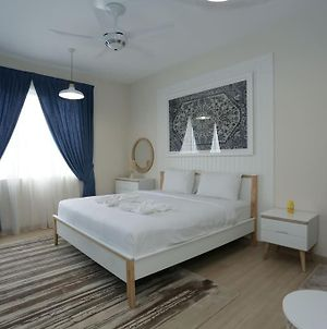 Must Try!! Modern Blue 1 Bed Free Parking+Wifi photos Exterior