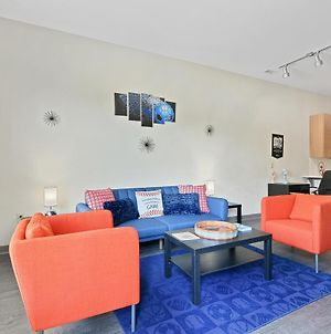 Cozy Queen City Sports Themed 1Br Loft-Pool & Gym Open-High Speed Wifi- Free Parking photos Exterior