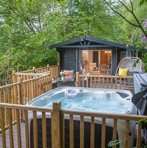 Mistletoe Two Boutique Lodge With Hot Tubs Windermere photos Exterior