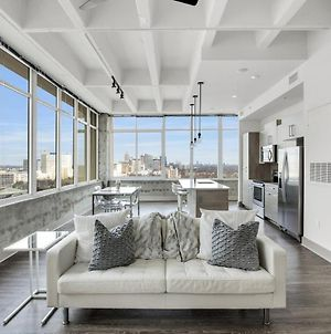 Mesmeric Eminent Loaded Prime Downtown Scenic Flat photos Exterior