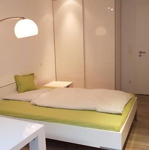 Room In 2-Room Flat, Modern And Nice photos Exterior