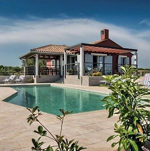 Astonishing Pool Villa In Pomer Immersed In An Olive Orchard photos Exterior