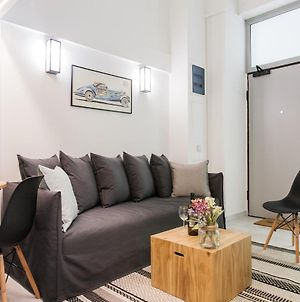 Be Based In This Groovy Loft In The City Center!! photos Exterior