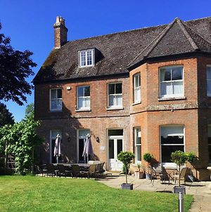 Substantial 6 Bed House In Christchurch Dorset photos Exterior