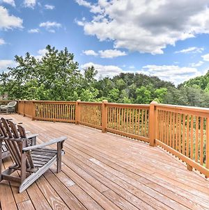 Log Cabin With Multi-Level Deck - 5 Mi To Dollywood! photos Exterior