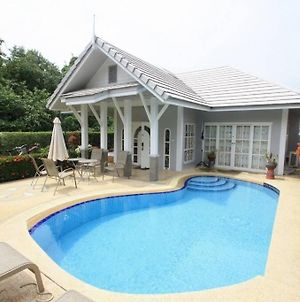Beautiful Villa With Private Pool In Cha-Am photos Exterior