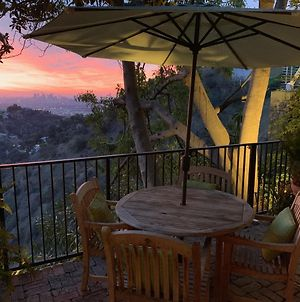 Jetliner Views In The Hollywood Hills photos Exterior
