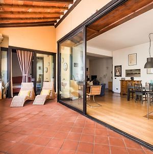 Refined Flat With Private Loggia In San Frediano photos Exterior