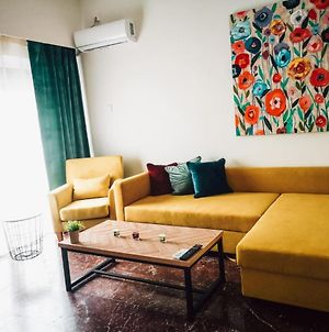 Explore Greece From Colorful City Centre Apartment photos Exterior