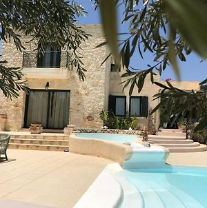 Olive House Traditional Villa With Pool photos Exterior