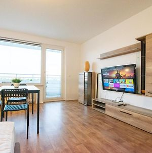 Large 2 Room Apartment With Balcony photos Exterior