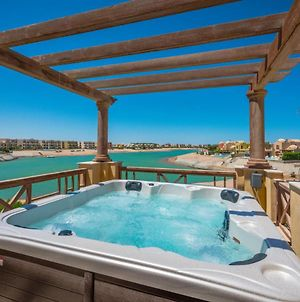 Scenic Views 3 Bedroom Villa With Private Jacuzzi In Sabina photos Exterior