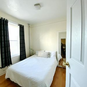2 Bedrooms Entire Beautiful Apt In Williamsburg! photos Exterior
