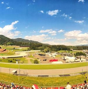 Spielberg Front Row Camp Near Red Bull Ring Including Sounds Of Pitstops In Your Tent photos Exterior