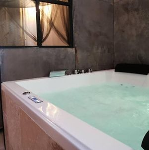 """The Love Room Bandol"" Jacuzzi & Vue Mer photos Exterior"