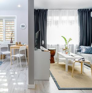 Houzz-Style Lux Apartment In The Centre photos Exterior