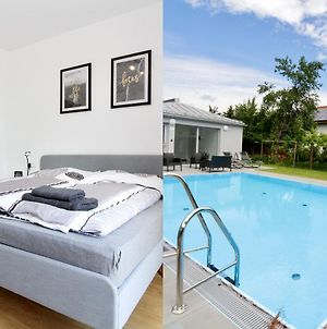 """Modern Balcony Apartment With Pool Close To Lake In """"Donaustadt"""" photos Exterior"""