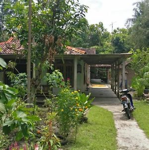 Homestay Miftah photos Exterior