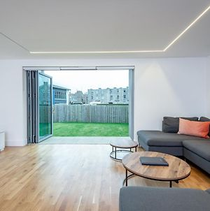 Luxury Apartment With Garden, And Putting Green photos Room