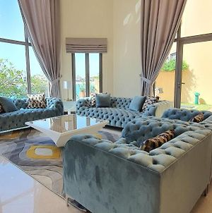 Best Palm Jumeirah Beachfront Villa 5 Bedroom With Private Pool By Stay Here Holiday Homes photos Exterior