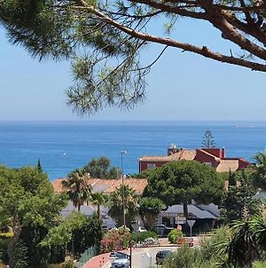 Great Townhouse With Sea Views And Garden photos Exterior