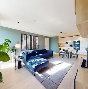 Modern 1 Bed Flat In London For Up To 2 People - With Private Parking And Home Gym photos Exterior