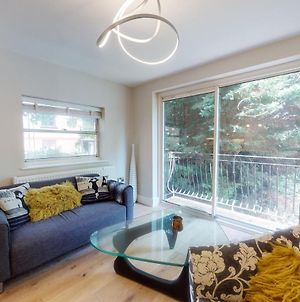 Amazing 2 Bed Flat With Balcony And Private Parking - 1 Minute To West Hampstead Tube Station photos Exterior