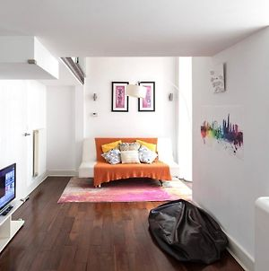 My London Holiday Home - Stylish 2 Bed, 2 Bath Riverside Apartment photos Exterior