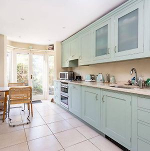 Spacious Family Home-Parsons Green-Heart Of Fulham-London photos Exterior