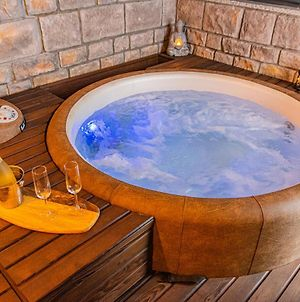 Jacuzzi Zagreb Luxury Apartments Repinc 20 - Garage - Smart - Brand New - Self Check-In photos Exterior