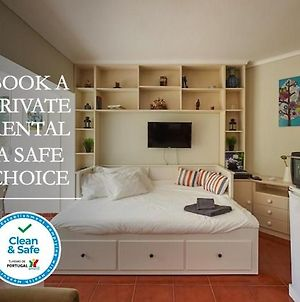 Adorable And Comfortable Studio With Free Parking photos Exterior