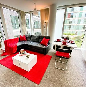 Cosy Hub Apartment In Central Mk With Free Parking, Smart Tv With Netflix And Xbox By Yoko Property photos Exterior