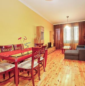 Cozy 1 Bedroom Apartment With A/C And Free Wi-Fi photos Exterior