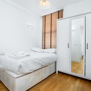 Modern 2 Bed Flat In Holborn, London For Up To 4 People With Free Wifi photos Exterior