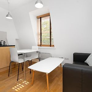 Modern 1 Bed Flat In Holborn, London For Up To 2 People - With Free Wifi photos Exterior