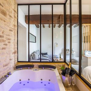 Cocon A Bulles Chic Vue Cathedrale Avec Spa-Jacuzzi photos Exterior
