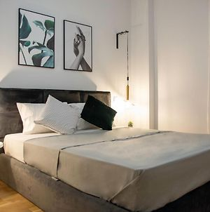 Classy Chic Design Apartment At Acropolis / Available For 5 Guest photos Exterior
